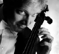 Mats Rondin, cellist i Relay Orchestra Foto: Stefan Fallgren